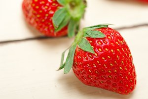 strawberries on white wood table 015.jpg