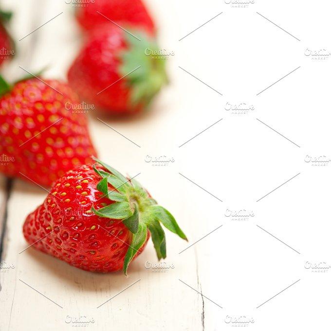strawberries on white wood table F 006.jpg - Food & Drink