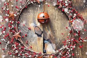 Christmas wreath & jingle bell