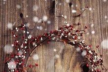 Christmas wreath & falling snow