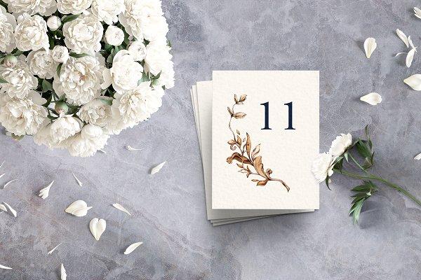 Royal Golden Wreath Wedding Suite