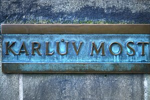"""Karluv most"" name board"