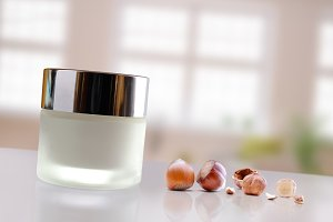 Hazelnuts moisturizer jar closed