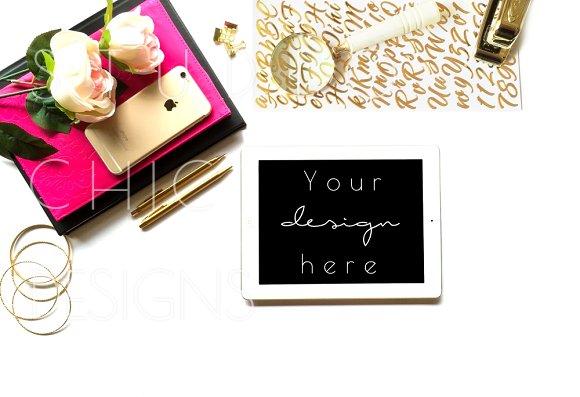 Download Feminine iPad Mockup Desktop
