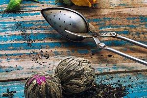 Tea leaves for brewing,tea spoon