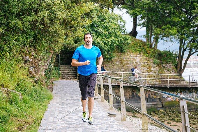 Running in nature.JPG - Sports