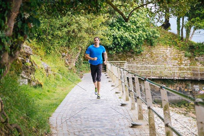 Runner on track.JPG - Sports