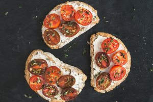 Ricotta and cherry tomato sandwiches