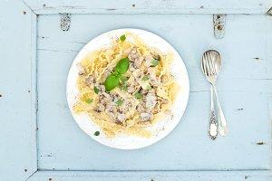 Pasta mafaldine with mushrooms