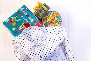 Polka dots shirt with gift boxes
