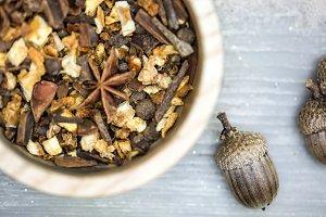Spices & Acorns