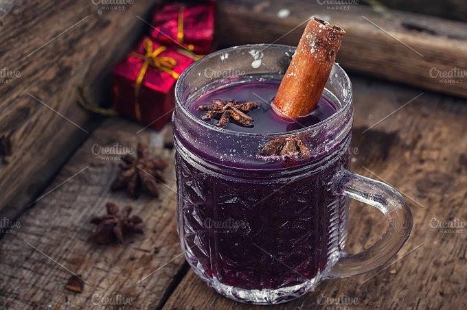 warmredvine.jpg - Food & Drink