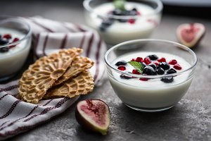 Yogurt Cups with Figs & Cookies