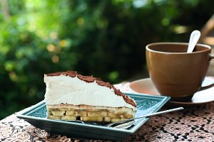 Banoffee pie and cup of coffee
