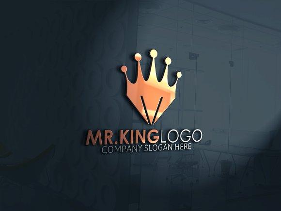 Mr. King Logo - Logos