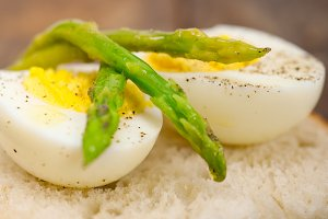 asparagus and eggs 021.jpg