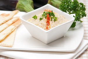 Baba Ghanoush eggplant dip and pita bread 20.jpg