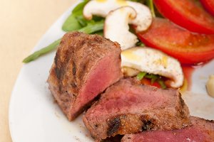beef filet mignon grilled with vegetables 004.jpg