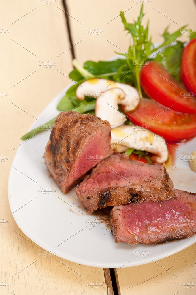 beef filet mignon grilled with vegetables 004.jpg - Food & Drink