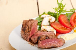 beef filet mignon grilled with vegetables 003.jpg