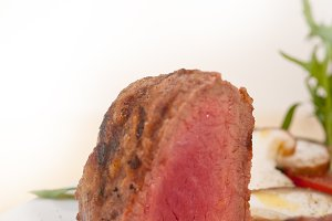 beef filet mignon grilled with vegetables 005.jpg