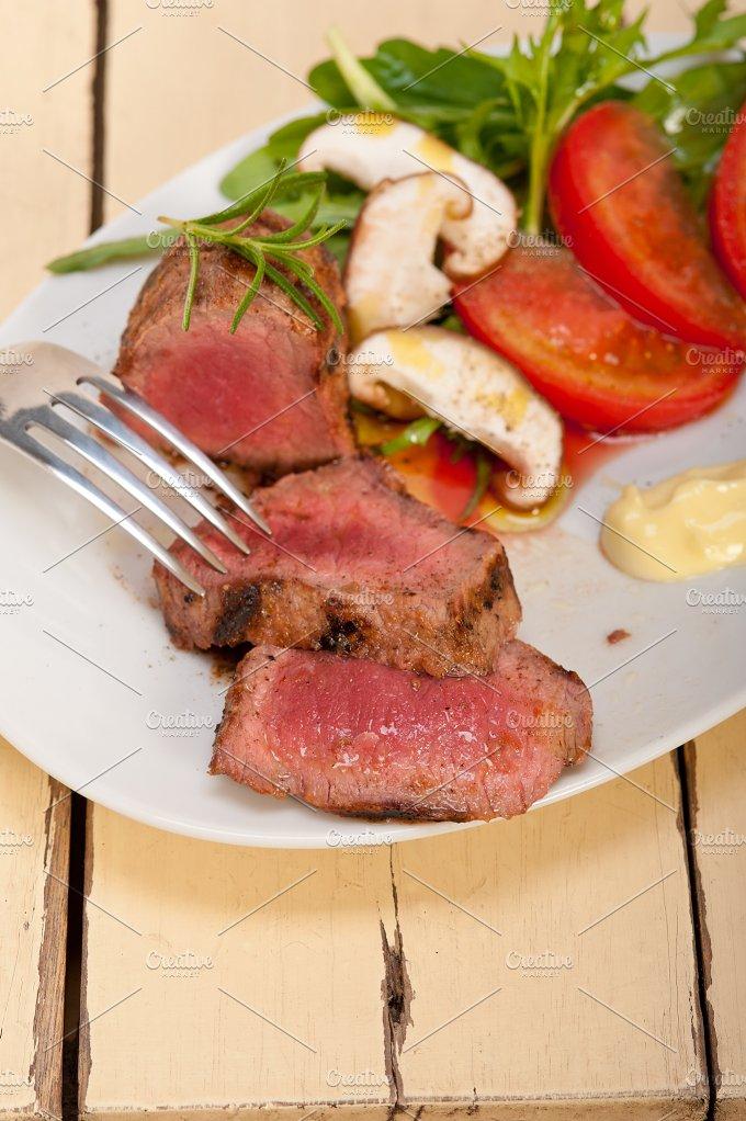 beef filet mignon grilled with vegetables 066.jpg - Food & Drink