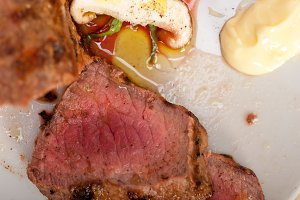 beef filet mignon grilled with vegetables 011.jpg
