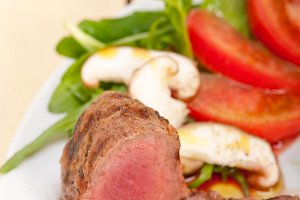beef filet mignon grilled with vegetables 007.jpg