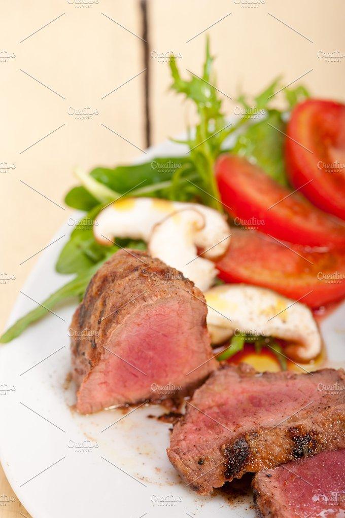 beef filet mignon grilled with vegetables 007.jpg - Food & Drink