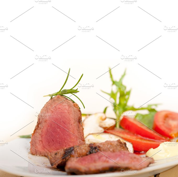 beef filet mignon grilled with vegetables 013.jpg - Food & Drink