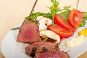 beef filet mignon grilled with vegetables 014.jpg