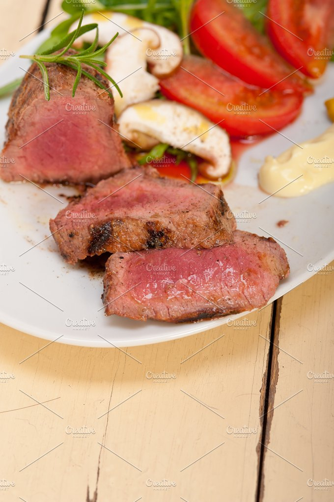 beef filet mignon grilled with vegetables 019.jpg - Food & Drink