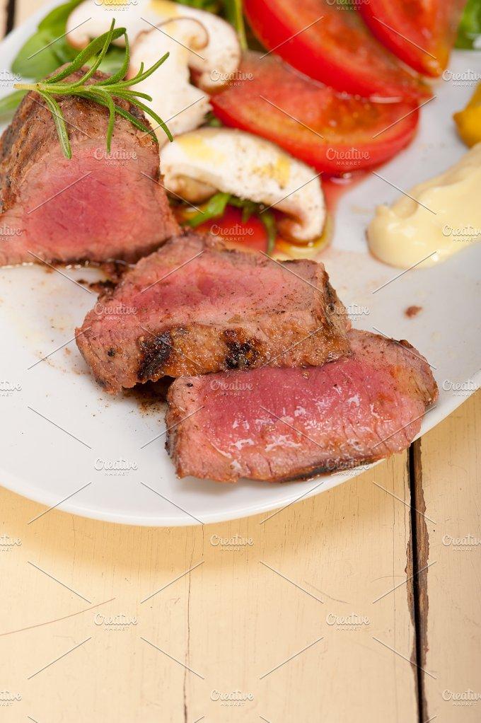 beef filet mignon grilled with vegetables 023.jpg - Food & Drink