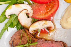 beef filet mignon grilled with vegetables 025.jpg