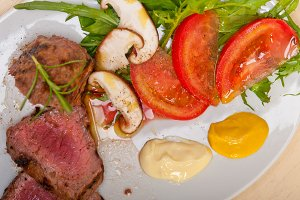 beef filet mignon grilled with vegetables 028.jpg