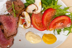beef filet mignon grilled with vegetables 027.jpg