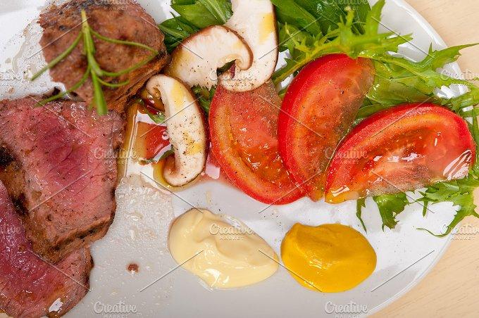 beef filet mignon grilled with vegetables 027.jpg - Food & Drink