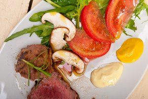 beef filet mignon grilled with vegetables 029.jpg