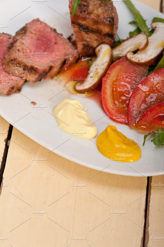 beef filet mignon grilled with vegetables 031.jpg - Food & Drink