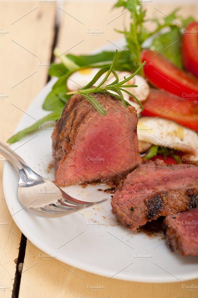 beef filet mignon grilled with vegetables 035.jpg - Food & Drink