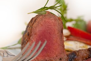 beef filet mignon grilled with vegetables 034.jpg