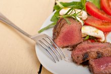 beef filet mignon grilled with vegetables 041.jpg