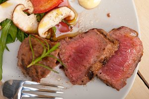 beef filet mignon grilled with vegetables 045.jpg