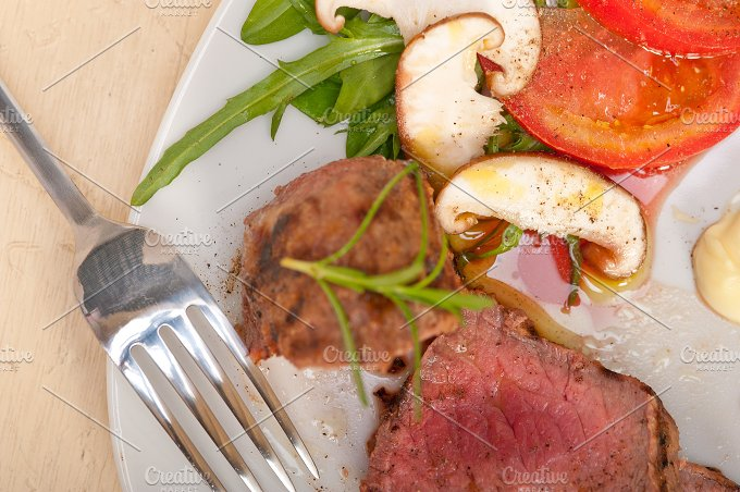 beef filet mignon grilled with vegetables 046.jpg - Food & Drink