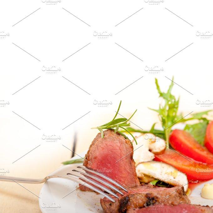 beef filet mignon grilled with vegetables 055.jpg - Food & Drink