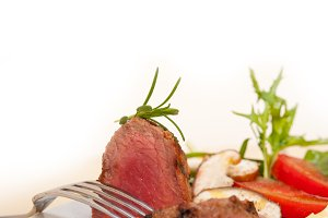 beef filet mignon grilled with vegetables 057.jpg