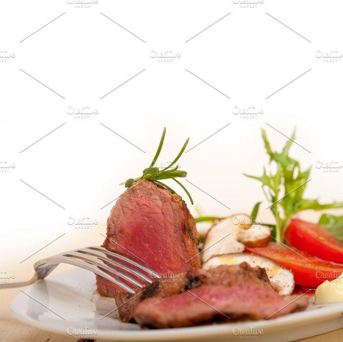 beef filet mignon grilled with vegetables 057.jpg - Food & Drink