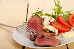 beef filet mignon grilled with vegetables 060.jpg