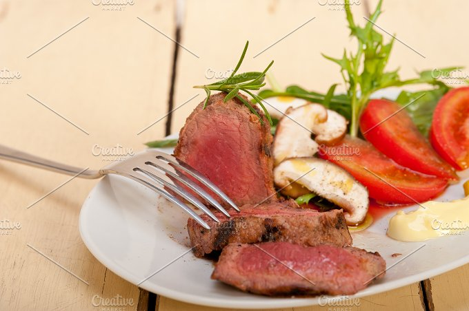 beef filet mignon grilled with vegetables 060.jpg - Food & Drink