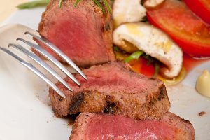 beef filet mignon grilled with vegetables 065.jpg